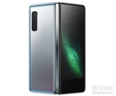 三星折叠屏手机Galaxy Fold国行版今日开售:售价15999元