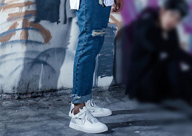 安踏小白鞋、李宁小白鞋和鸿星尔克小白鞋三个品牌的对比