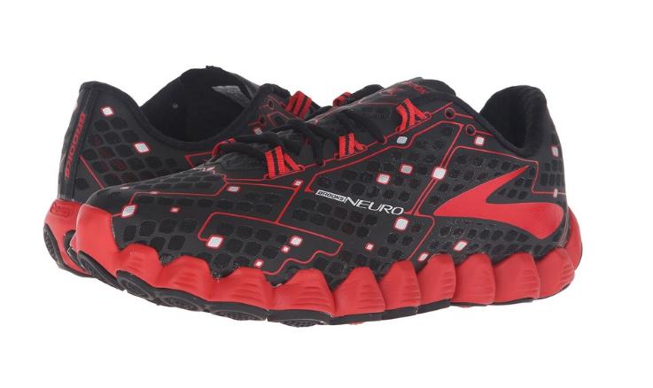 New BalanceFresh Foam 1080和 Brooks Neuro跑步鞋那个好?