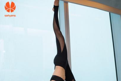 Samyama瑜伽裤质量怎么样?弹性大吗?