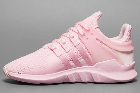 阿迪达斯eqt女鞋很难穿进去吗?哪个颜色好看?