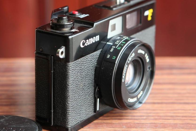 佳能胶片相机推荐?佳能AE-1胶片相机怎么安装胶卷?