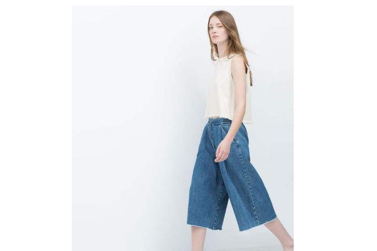牛仔阔腿裤搭配什么上衣?zara牛仔阔腿裤怎么搭?