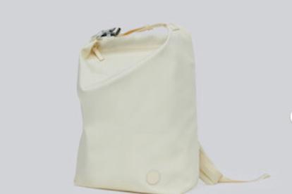 ITO尼龙双肩包防水吗?ITO尼龙双肩包怎么搭配?