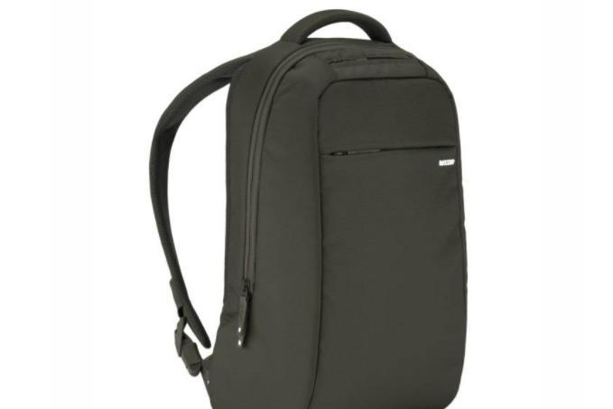 apple定制背包如何?放电脑牢固吗?