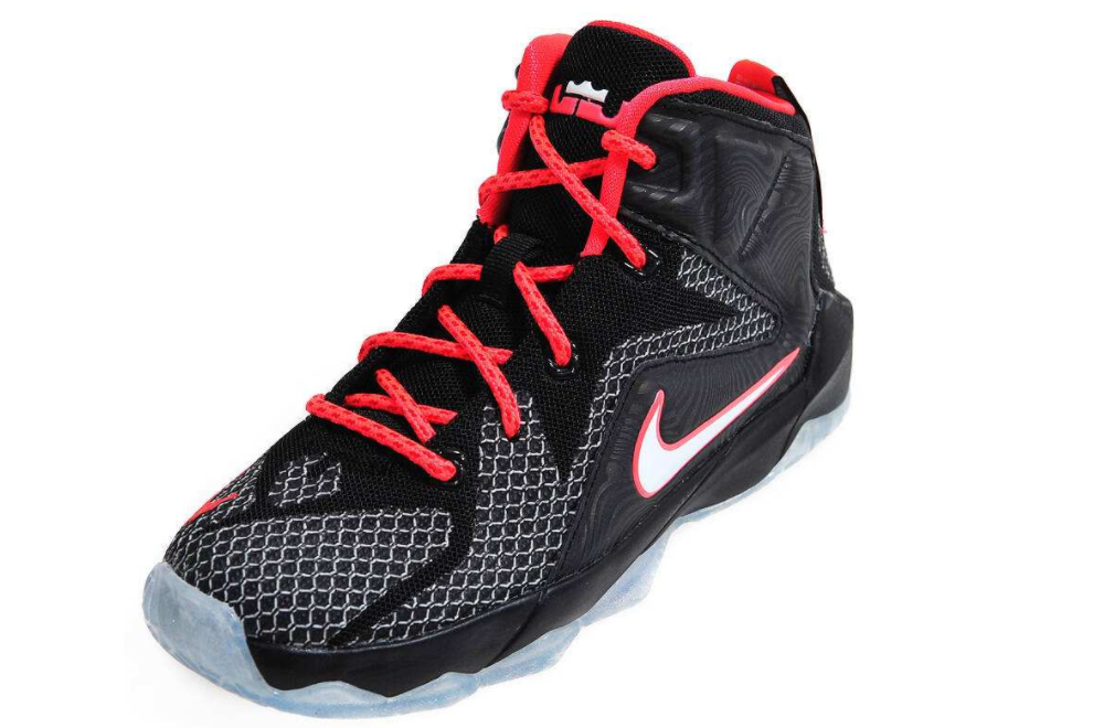 詹姆斯篮球鞋15值得买吗?穿着舒服吗?