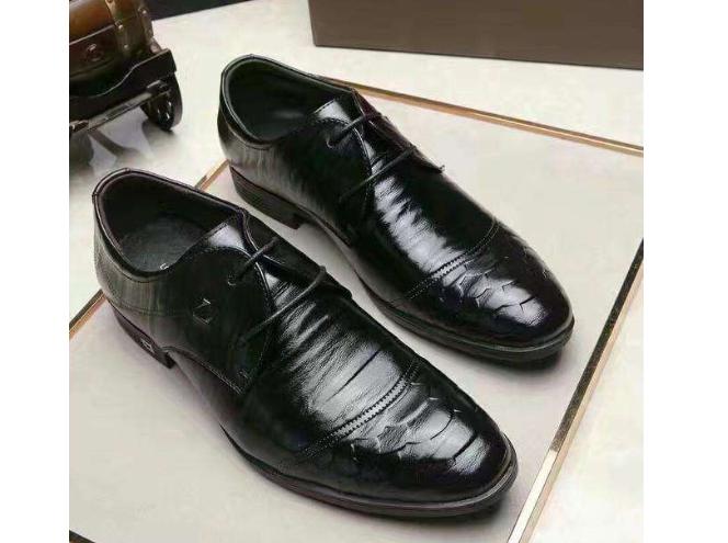 路易威登商务皮鞋好吗?穿着磨脚吗?