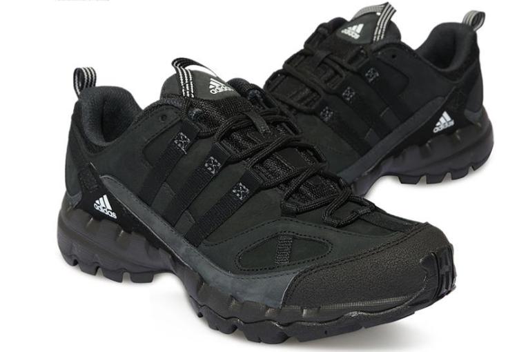 阿迪达斯户外鞋测评?阿迪达斯户外鞋穿着舒服吗?