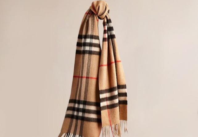 burberry围巾经典款?burberry围巾暖和吗?