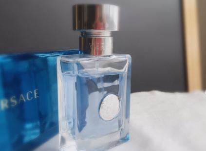 范思哲香水哪款最畅销?范思哲同名男士香水好吗?