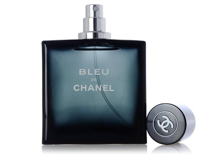 香奈儿蔚蓝香水好闻吗?香味持久吗?