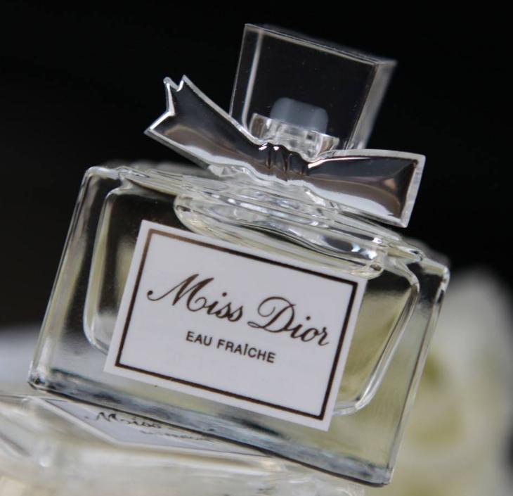 女人一生必囤的香水,你与女神的距离只差一瓶香水