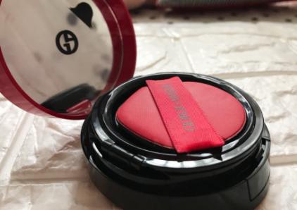 阿玛尼红色气垫好用吗?持久度怎么样?