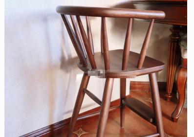 宝宝餐椅怎么选?木质餐椅如何?