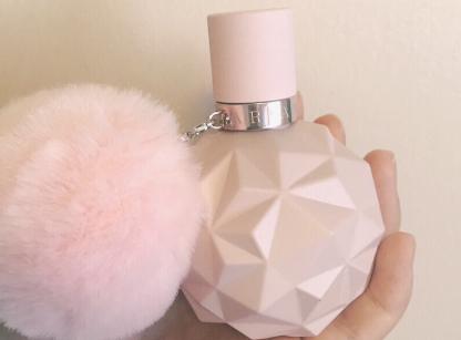 ariana grande香水怎么样?味道是街香吗?