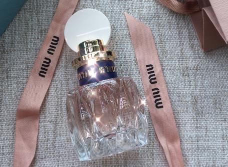 miumiu粉色香水好闻吗?什么类型的味道?