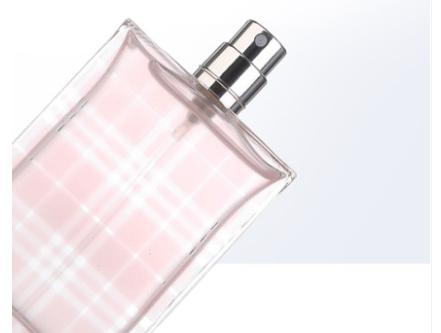 巴宝莉红粉恋歌女士香水怎么样?留香久吗?