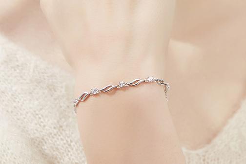 卡蒂罗手链怎么样?卡蒂罗手链是银质的吗?