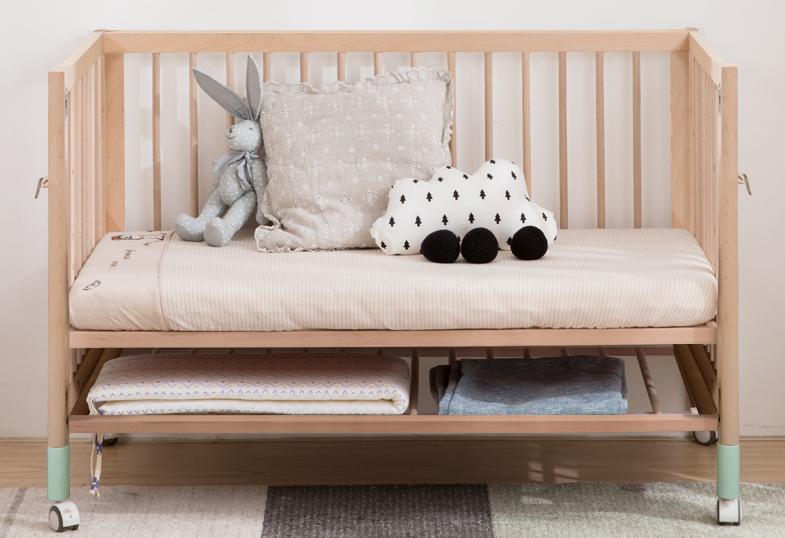 巴布豆婴儿床是日本的还是中国的?是什么材质?