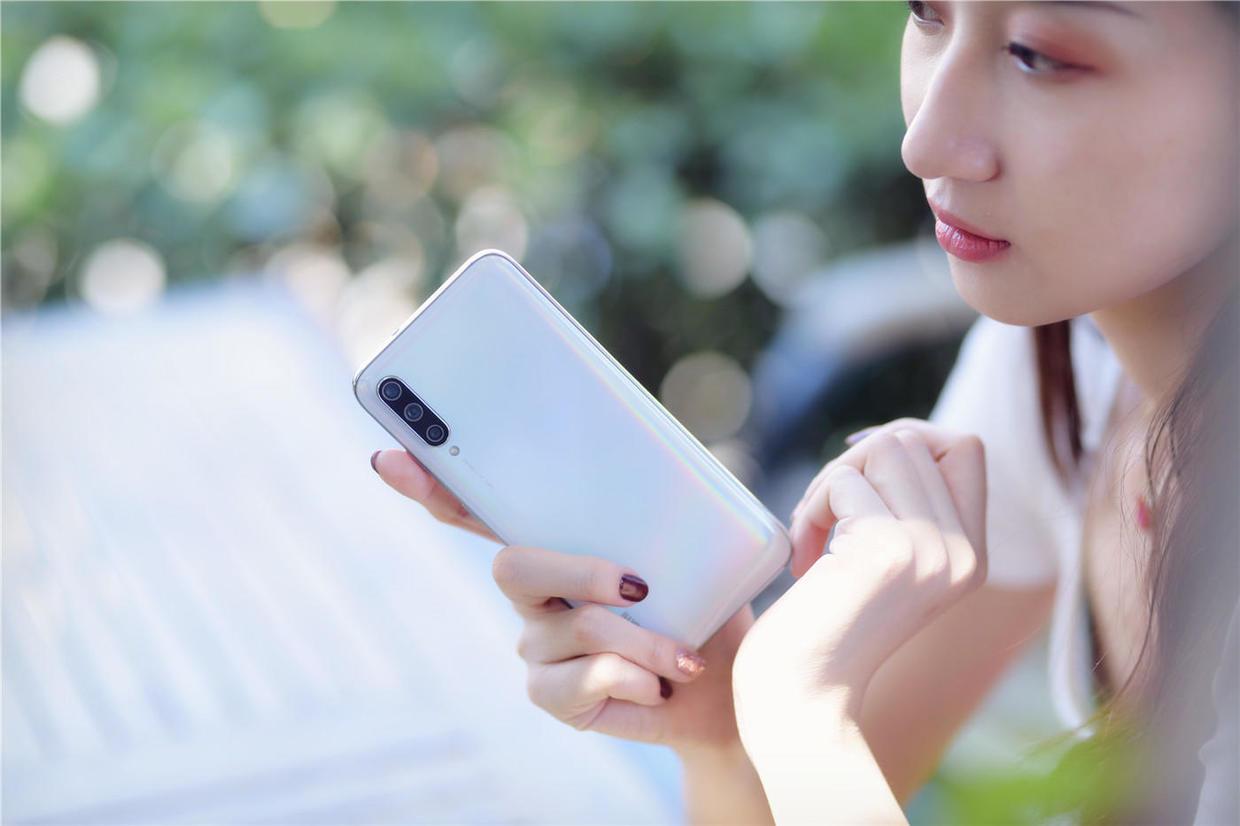 小米CC9,自推出后改变了外界对小米手机设计的看法