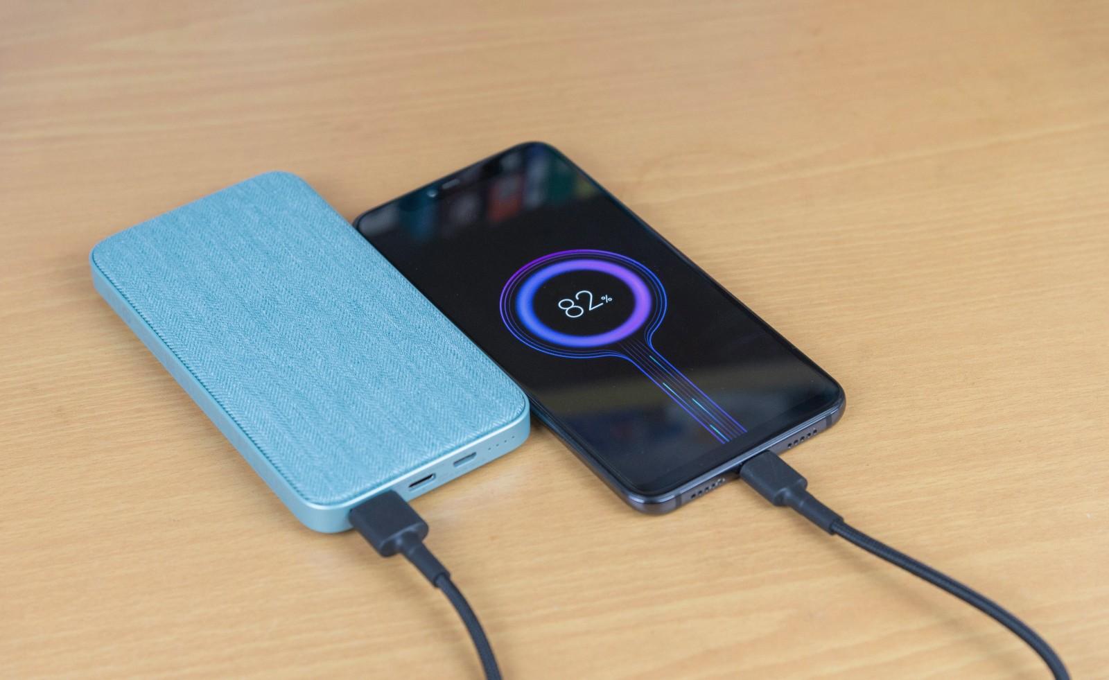 紫米新品移动电源,梦幻配色+双向快充,还可USB-C数据扩展